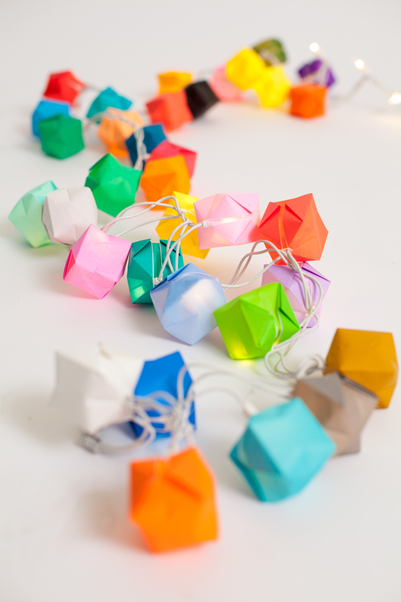 string-of-paper-blow-boxes